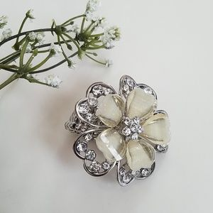 Jewelry - Fashion Stretch Ring NWOT